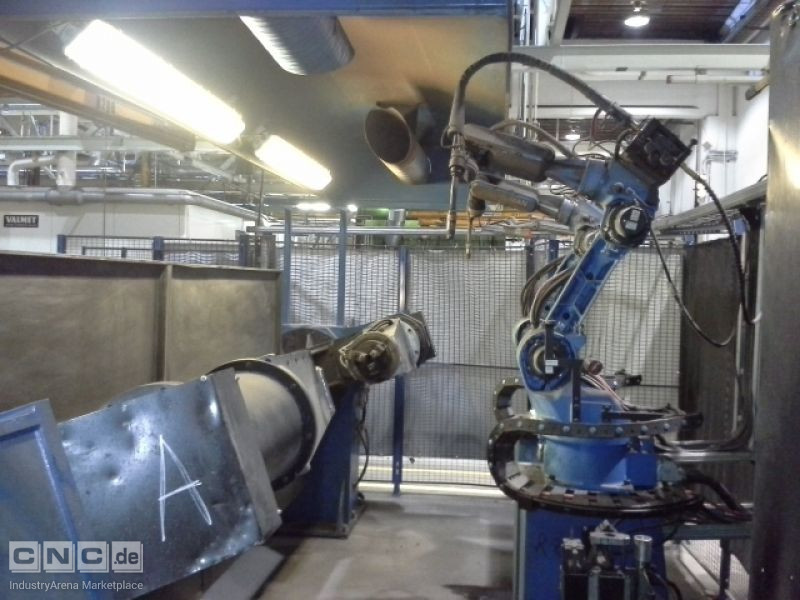 Cell with welding robots MOTOMAN YR-UP6-A00