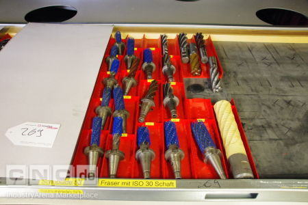 Lot of Milling Cutters on ISO 30 Shaft -