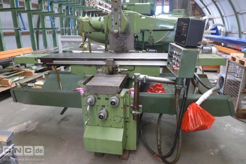 Universal milling and drilling machine